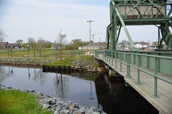 Delaware Sea Grant helps town of Laurel balance environment and development along riverfront